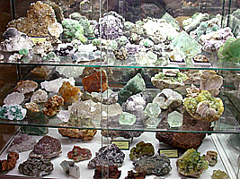 Overall view of a fluorite collection